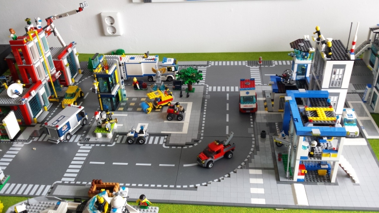Kleurplaten Van Lego City.April 2017 Brick Your Classroom